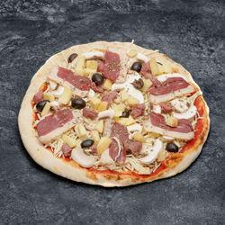 Pizza au magret de canard fumé fabrication