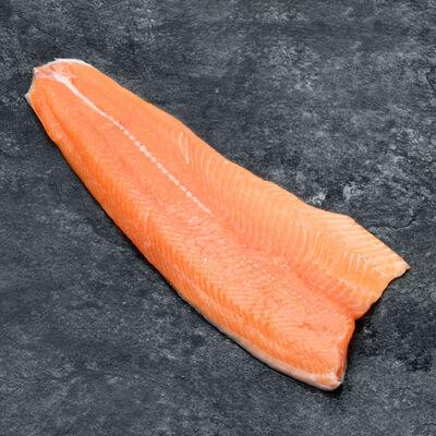 Filet truite avec peau des fjords trim C, Onchorynchus mykiss, élevé en Norvège