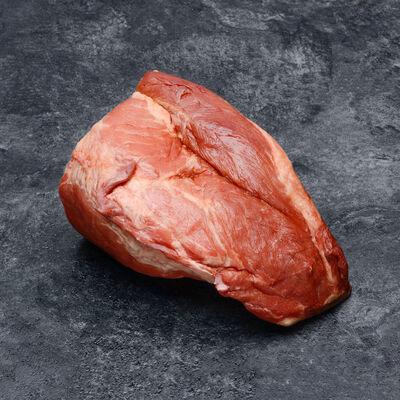 Palette de porc crue fumée avec os