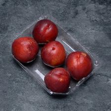 Nectarine blanche, BIO, calibre C, catégorie 2, France, barquette 5 fruits