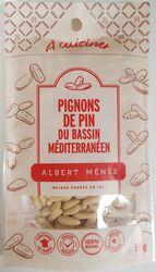 PIGNONS DE PIN