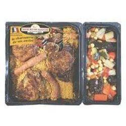 Couscous: semoule, légumes, 3 morceaux de poulet, 3 merguez Boeuf-mouton