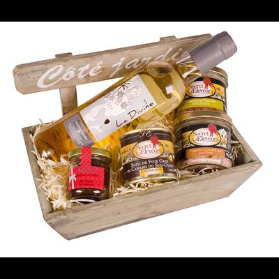 """Corbeille """"côté jardin"""":bloc foie gras canard 100g,terrines forestièreaux cèpes 90g,terrine canard olives 90g,confit poire piment Espelette50g,1btle Bordeaux LES FERMIER OCCITANS"""