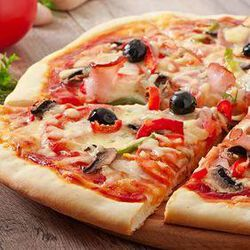 Pizza jambon/fromage/champignons  445G