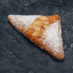 Triangle aux amandes, 4 pièces + 2 offerts, 480g
