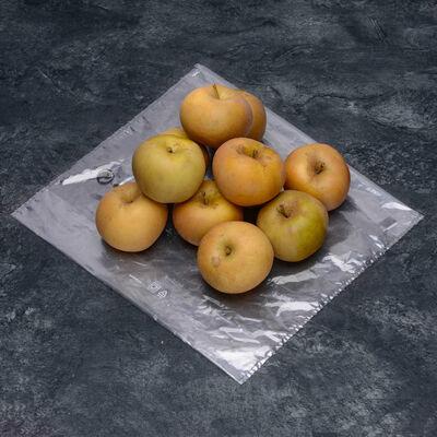 Pomme reinette grise du Canada,calibre 190/215, catgorie 1,France (en Mayenne), la pièce