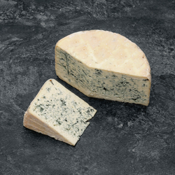 Bleu d'Auvergne, AOP, fermier, 50 jours d'affinage, au lait cru
