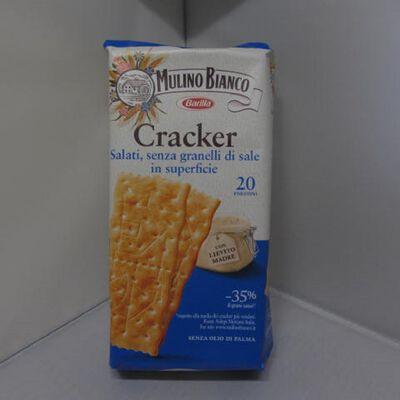cracker salati ,senza granelli di sale in superfice