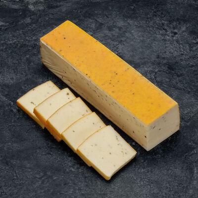 Fromage à raclette au lait pasteurisé au poivre 30% de MG longe GRAINDE FOLIE