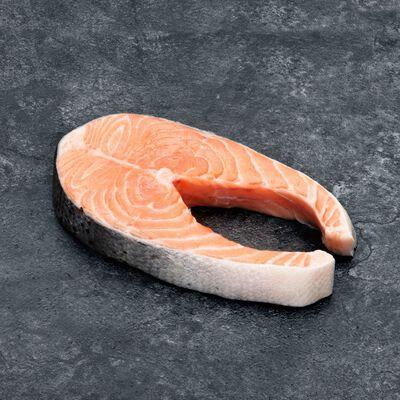 Darne saumon avec queue des fjords, salmo salar, U, élevé en Norvège