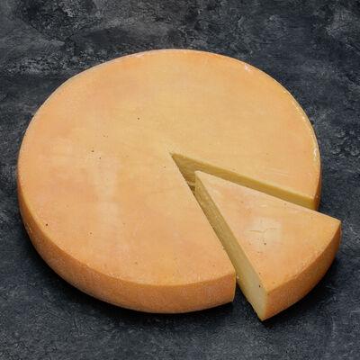 Raclette affiné au vin d'Arbois lait pasteurisé 29% matière grasse