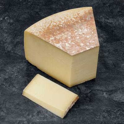 Beaumont de Savoie au lait cru LA POINTE PERCEE, 34%MG,
