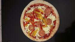 PIZZA CATALANE PREPARE SUR PLACE