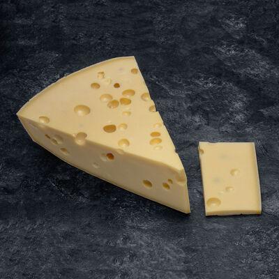 Dés d'emmental de Savoie Indication Géographique Protegee au lait cru,31% de matière grasse
