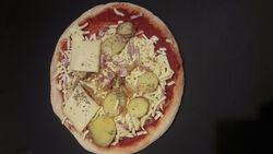 PIZZA TARTIFLETTE PREPARE SUR PLACE