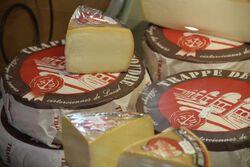 *Trappe de la coudre au lait de vache pasteurisé Abbaye de la coudre 27%mg au kilo