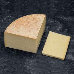 Cantal Entre-Deux AOP au lait pasteurisé, 29% de MG
