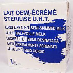 Lait demi-écrémé stérilisé U.H.T., brique de 1l