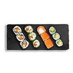 Market création (3 salmon roll, 3 maki de printemps saumon, 3 maki avocat, 3 california saumon) 340g SUSHIMARKET