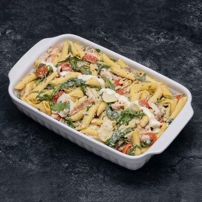 Salade caesar aux penne, poulet rôti et parmesan,