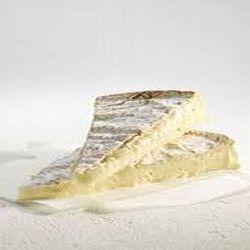 Brie Meaux AOP au lait cru 21%mg 3/4 affiné, 250g environ.