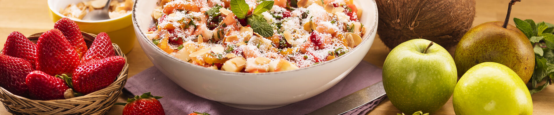Salade de fruits aux amandes et noix de coco
